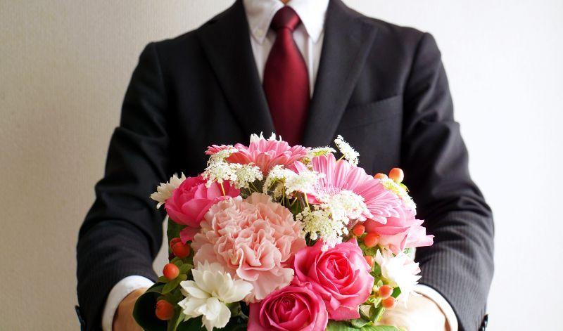 花束 スーツ